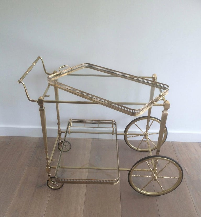 Attributed to Maison Jansen. Neoclassical Brass Bar Cart with Removable In Good Condition For Sale In Marcq-en-Baroeul, FR