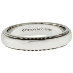 Au Tiffany & Co. 950 Platinum Milgrain Band Ring