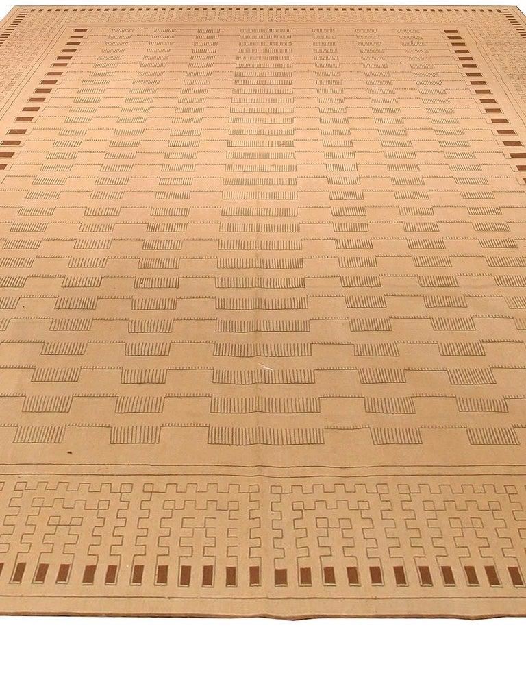 Aubusson Arthur Dunnam rug Size: 7'8