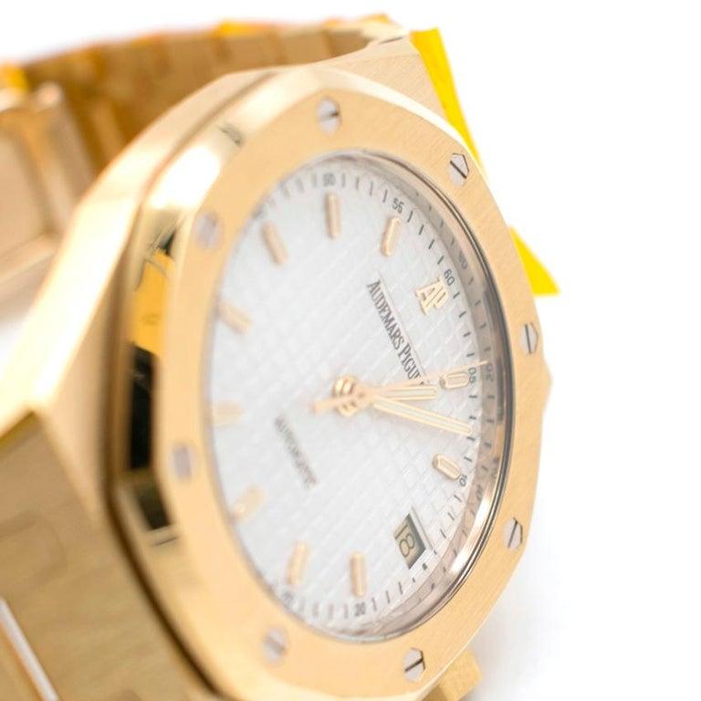Audemars Piguet 37mm Octagonal Royal Oak 18K Yellow Gold Watch For Sale 2