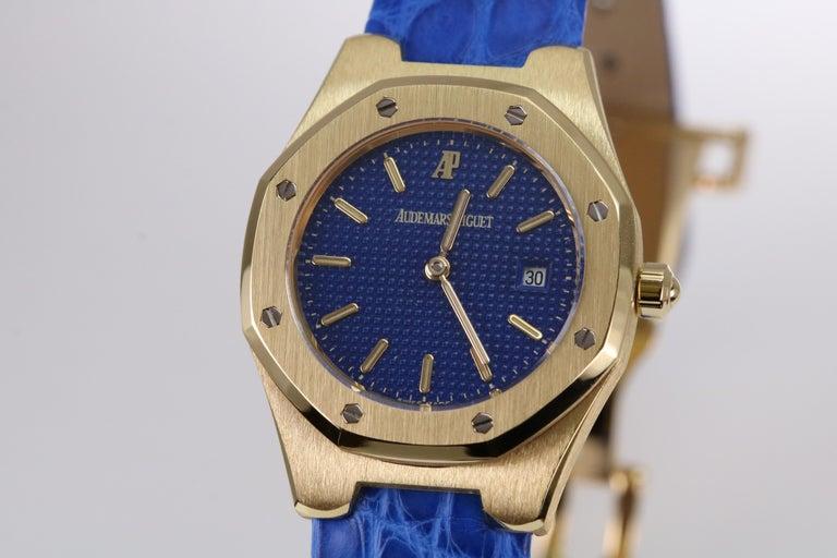 Audemars Piguet Ladies Yellow Gold Royal Oak Quartz Wristwatch In Excellent Condition For Sale In Miami Beach, FL