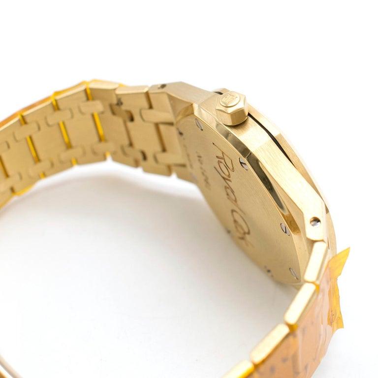 Women's or Men's Audemars Piguet Royal Oak 18 Karat Gold Watch