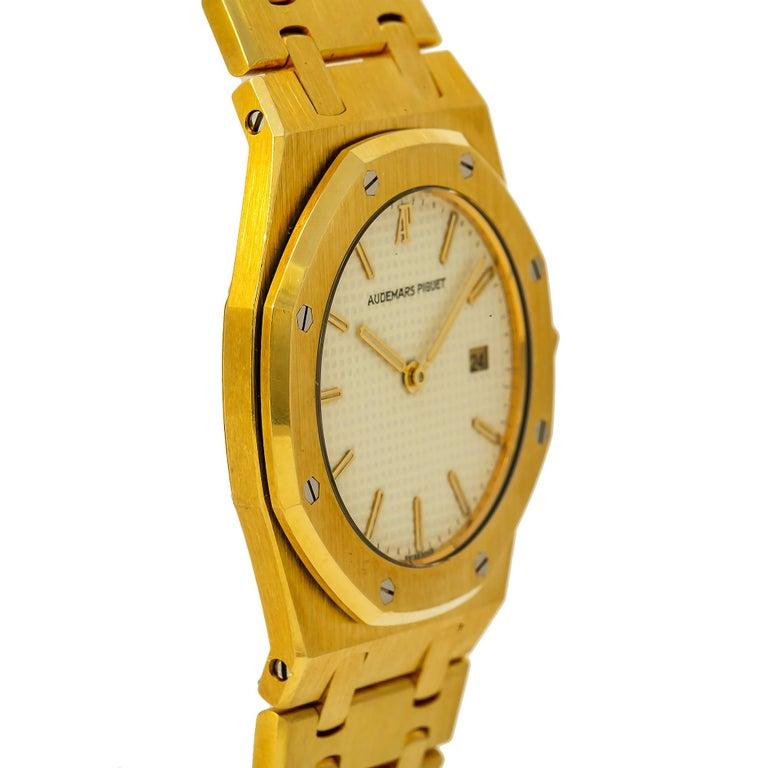 Modern Audemars Piguet Royal Oak 56175 Quartz 18 Karat Yellow Gold Unpolished Unisex For Sale