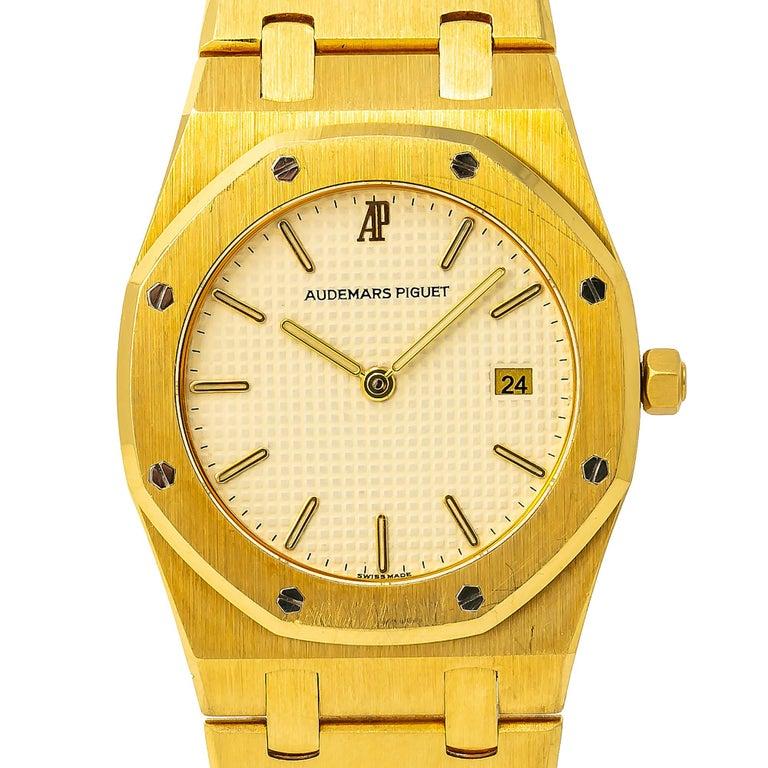Men's Audemars Piguet Royal Oak 56175 Quartz 18 Karat Yellow Gold Unpolished Unisex For Sale