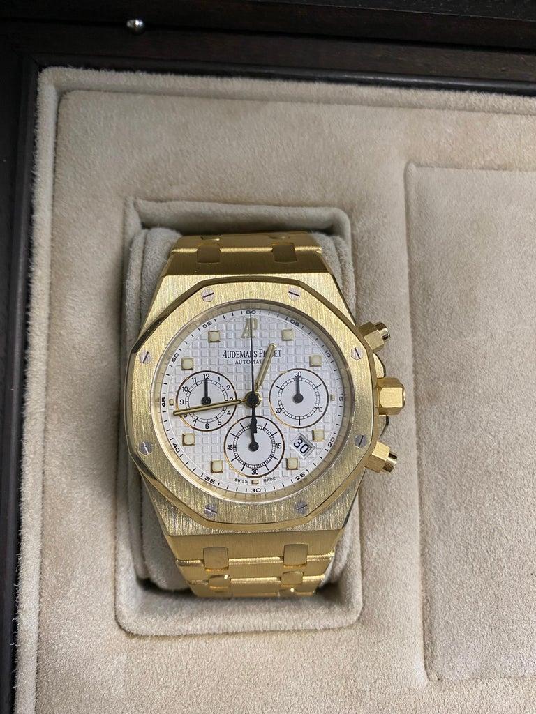 Audemars Piguet Royal Oak Chronograph Yellow Gold Watch For Sale 6