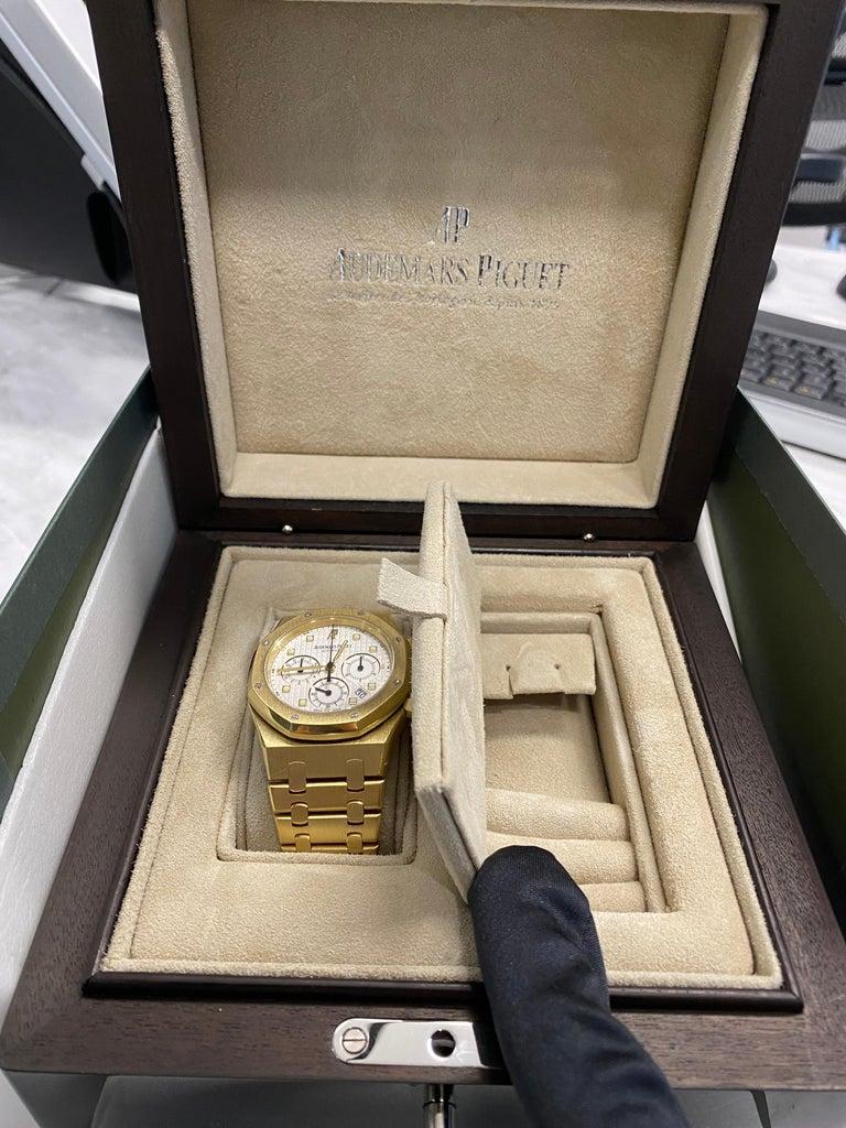 Audemars Piguet Royal Oak Chronograph Yellow Gold Watch For Sale 8