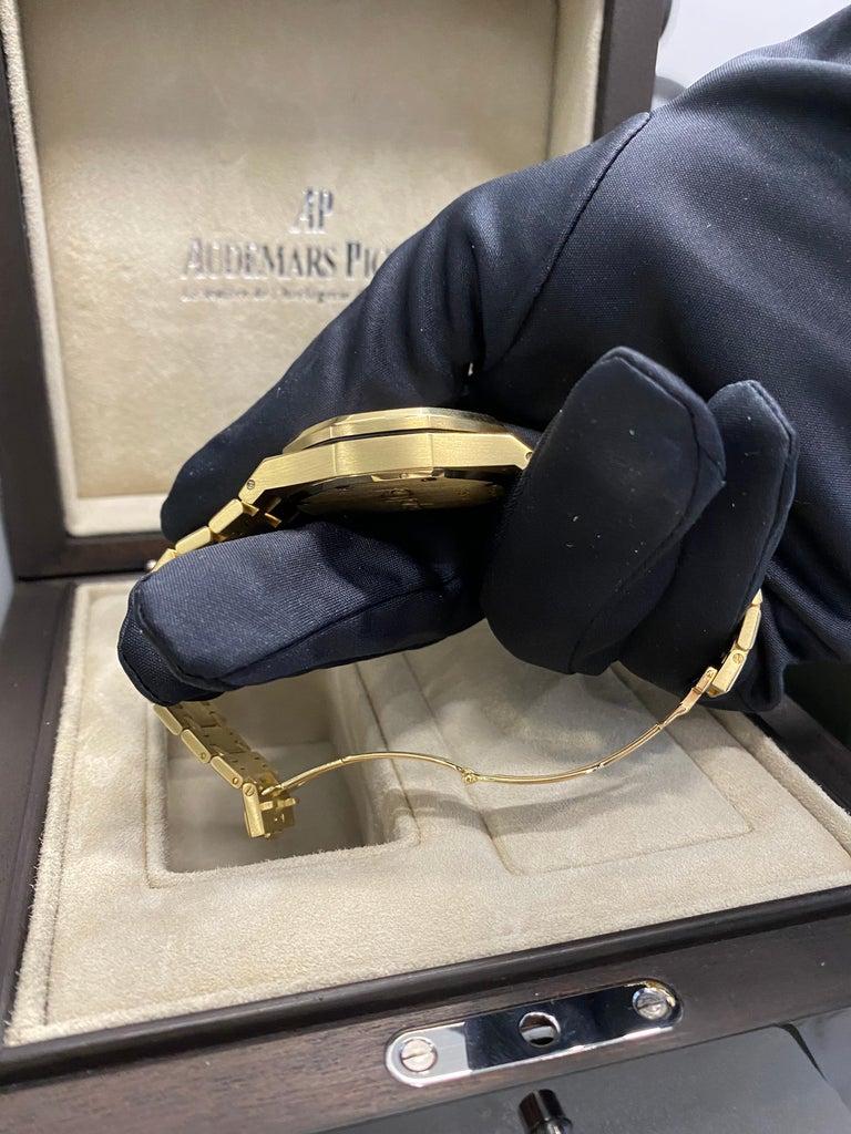 Audemars Piguet Royal Oak Chronograph Yellow Gold Watch For Sale 10