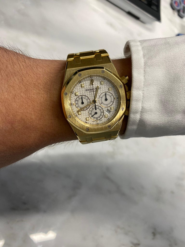 Audemars Piguet Royal Oak Chronograph Yellow Gold Watch For Sale 1