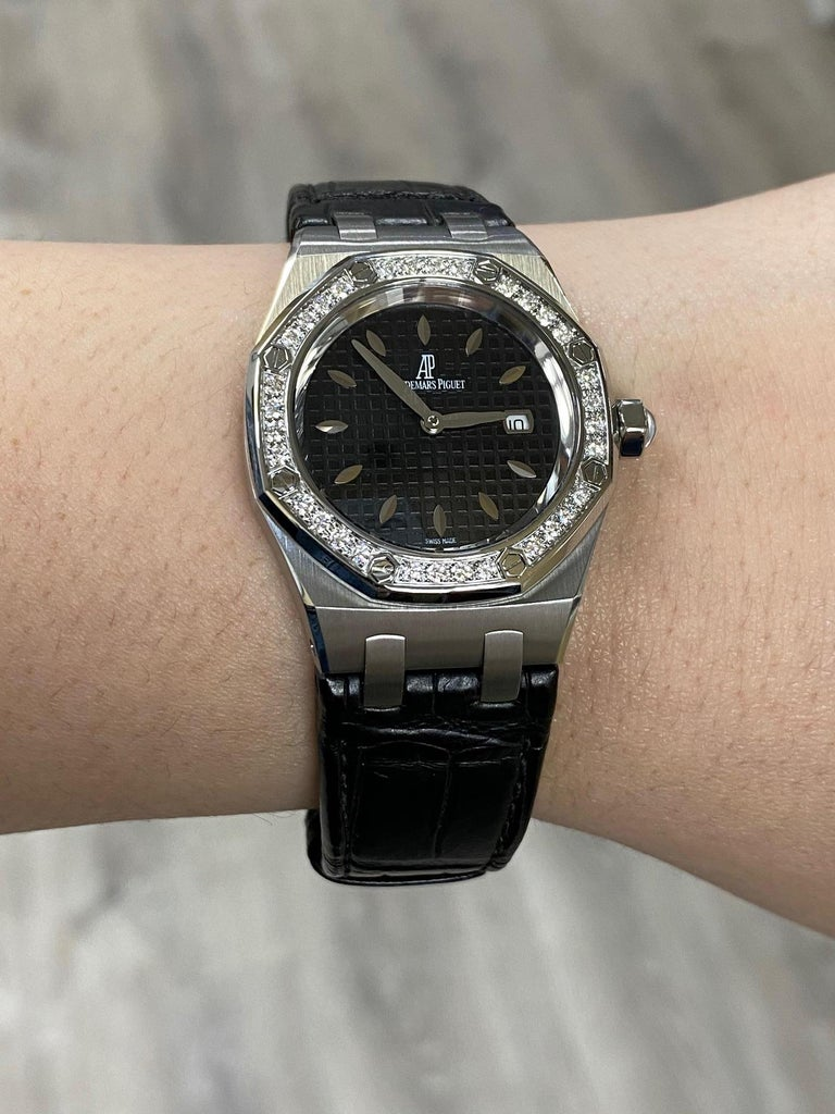 Audemars Piguet Royal Oak Stainless 67651ST.ZZ.1261ST.01 Original Diamond Bezel For Sale 4