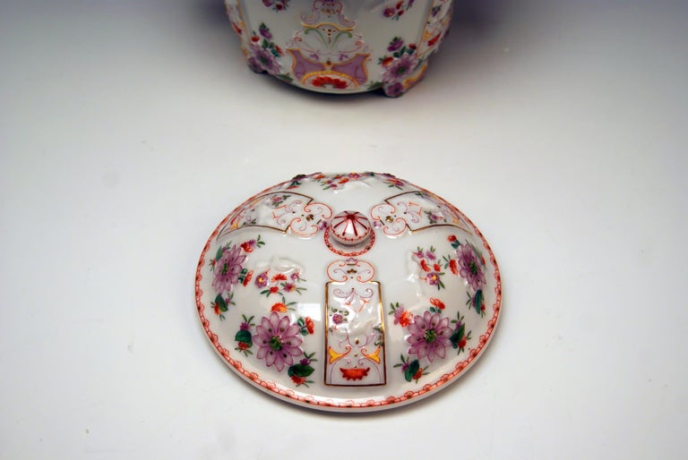 Austrian Augarten Vienna Lidded Oil Pot Candy Box Baroque Style Chinese Decor Du Paquier For Sale