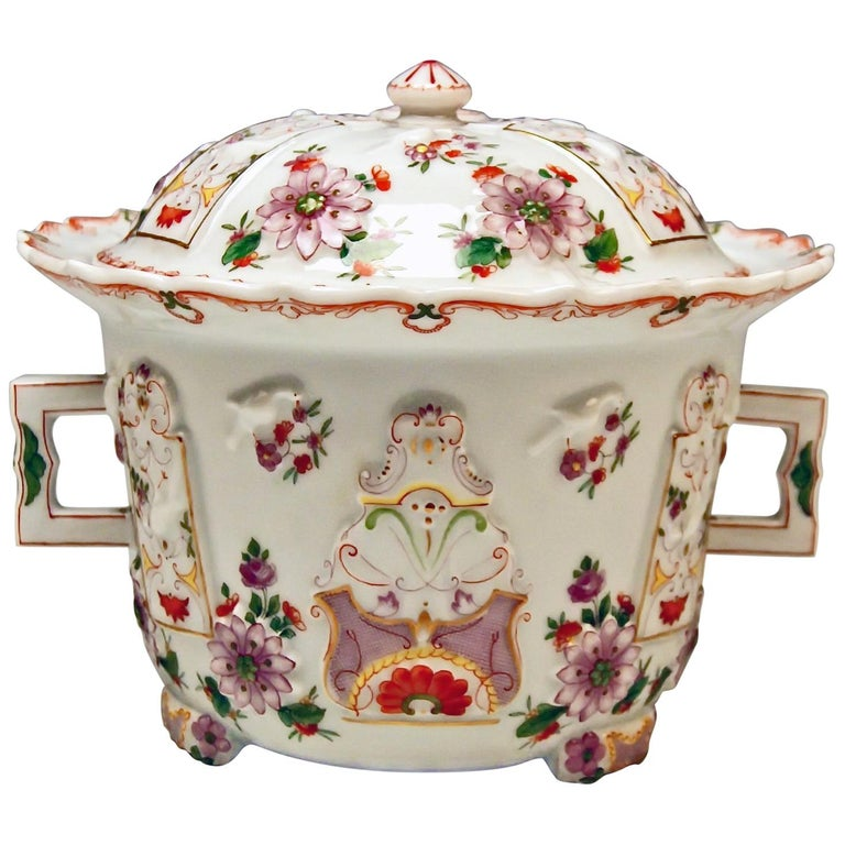 Augarten Vienna Lidded Oil Pot Candy Box Baroque Style Chinese Decor Du Paquier For Sale