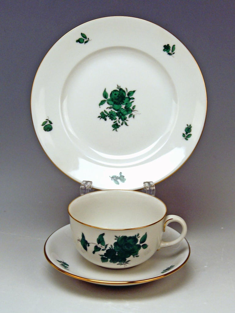Augarten Vienna Tea Set Twelve Persons Decor Maria Theresia Form Schubert In Excellent Condition For Sale In Vienna, AT