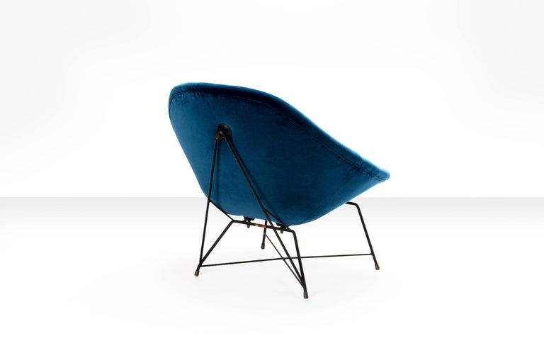 Mid-20th Century Augusto Bozzi 'Kosmos' Chair for Saporiti in Blue Velvet, Italy, 1956 For Sale