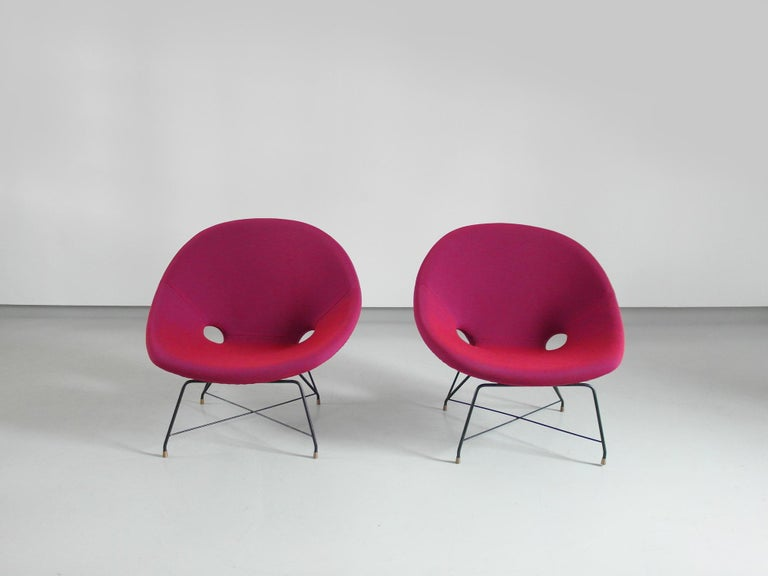 Pair of Cosmos Chairs in Ruby red/ Raspberry red by Augusto Bozzi for Saporiti For Sale 6