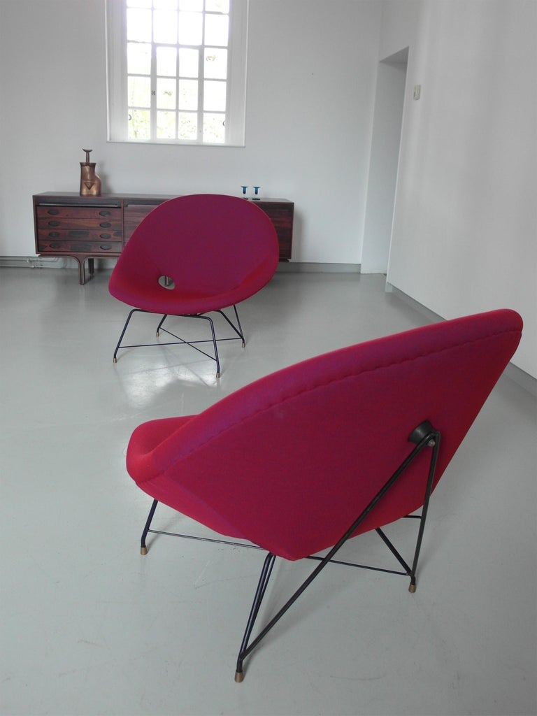 Pair of Cosmos Chairs in Ruby red/ Raspberry red by Augusto Bozzi for Saporiti For Sale 9