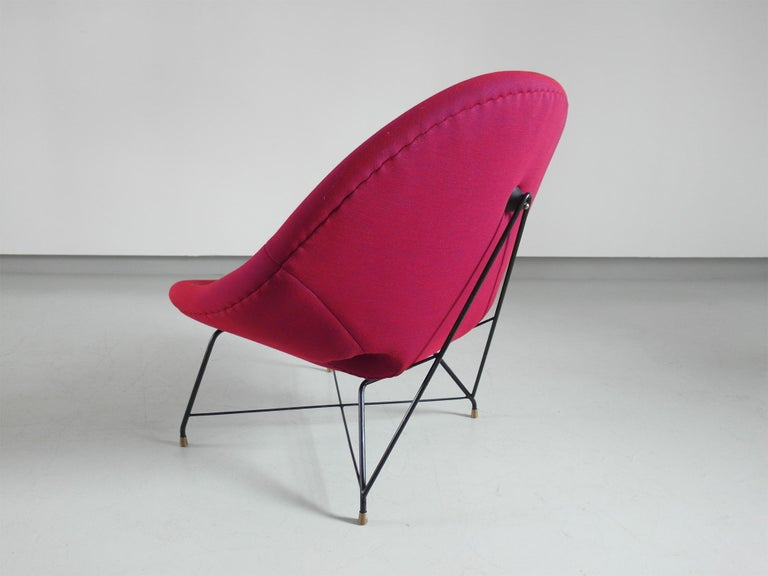 Mid-20th Century Pair of Cosmos Chairs in Ruby red/ Raspberry red by Augusto Bozzi for Saporiti For Sale