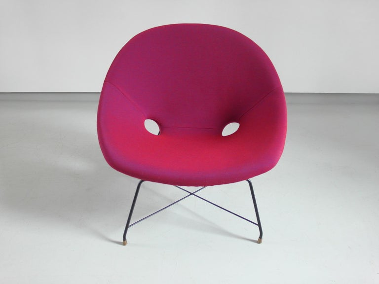 Metal Pair of Cosmos Chairs in Ruby red/ Raspberry red by Augusto Bozzi for Saporiti For Sale