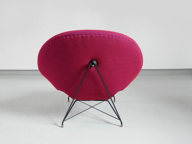 Pair of Cosmos Chairs in Ruby red/ Raspberry red by Augusto Bozzi for Saporiti For Sale 1