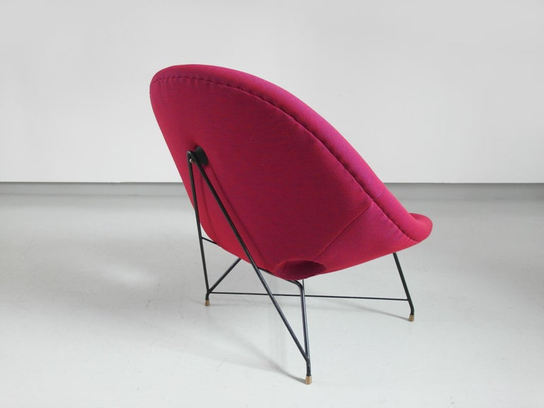 Pair of Cosmos Chairs in Ruby red/ Raspberry red by Augusto Bozzi for Saporiti For Sale 2