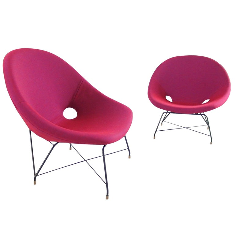 Pair of Cosmos Chairs in Ruby red/ Raspberry red by Augusto Bozzi for Saporiti For Sale