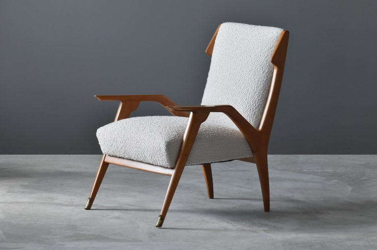 Mid-Century Modern Augusto Romano 'Attribution', Lounge Chair, Oak, Brass, Bouclé, Italy, 1950s For Sale