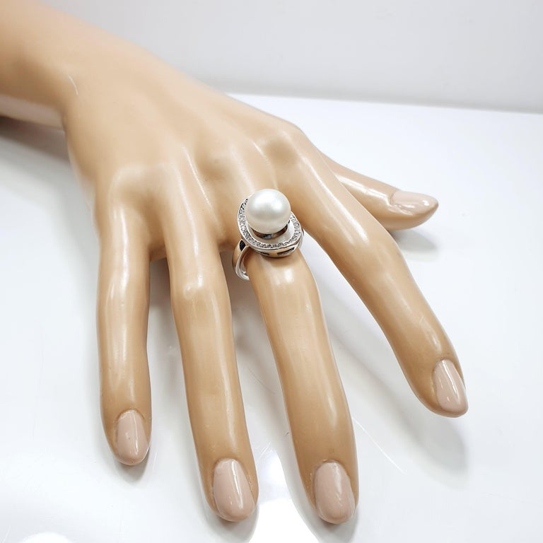 Brilliant Cut Australian Pearl Shell Ring in 18 Karat White Gold and Diamonds For Sale