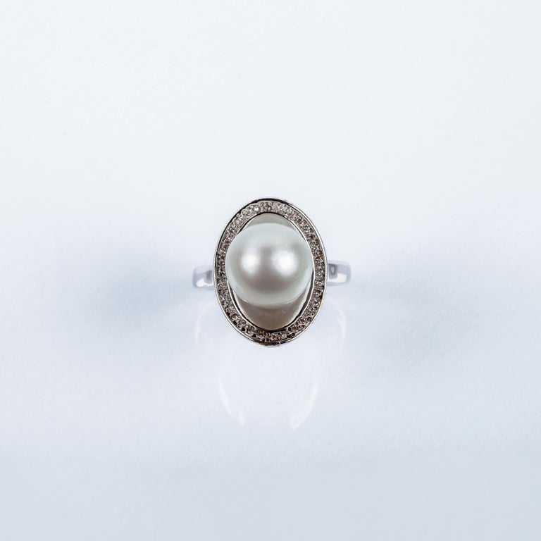 Women's Australian Pearl Shell Ring in 18 Karat White Gold and Diamonds For Sale