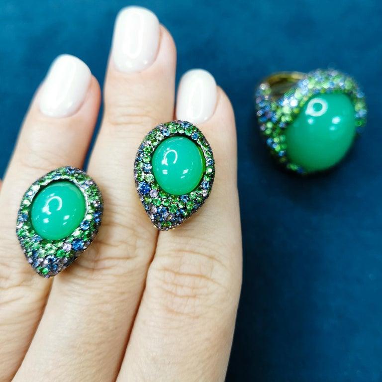 Australian Chrysoprase Sapphires Tsavorites 18 Karat Yellow Gold Suite For Sale 3