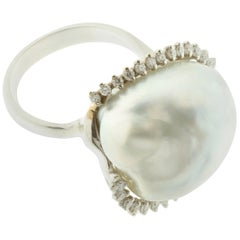 Australian Pearl and Diamond Ring in 18 Karat Gold