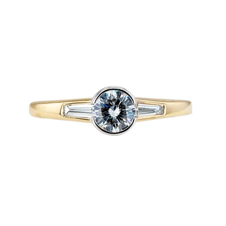 Contemporary Austrian 0.42 Carat Diamond Yellow Gold Engagement Ring For Sale