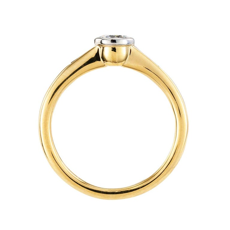Women's Austrian 0.42 Carat Diamond Yellow Gold Engagement Ring For Sale
