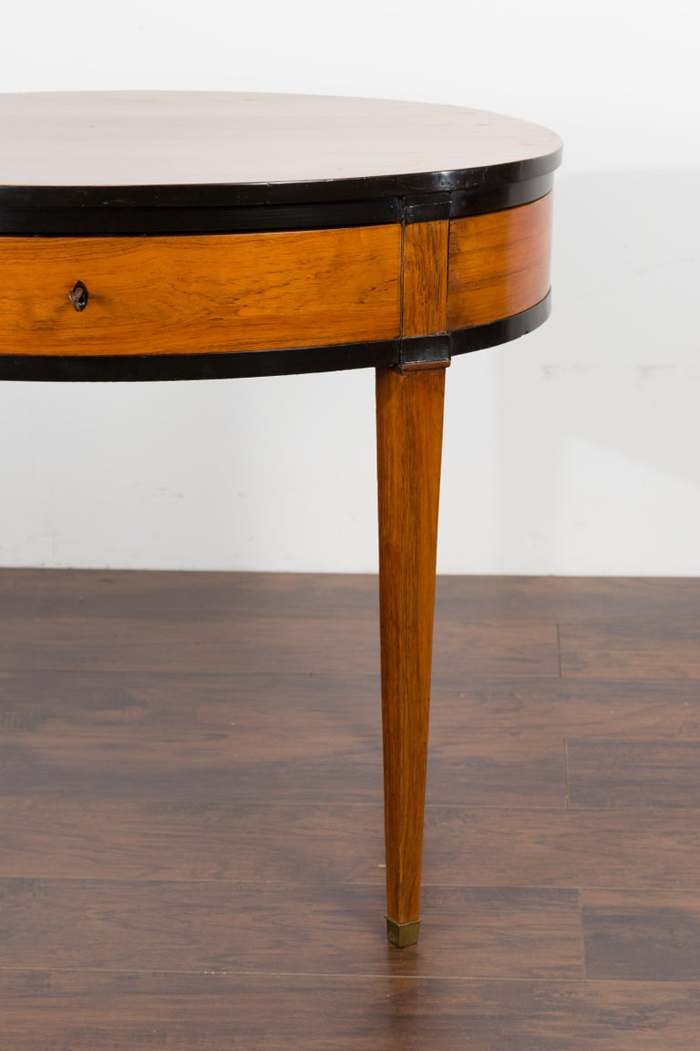 Austrian 1840s Biedermeier Oval Top Table with Drawer and Ebonized Accents For Sale 4