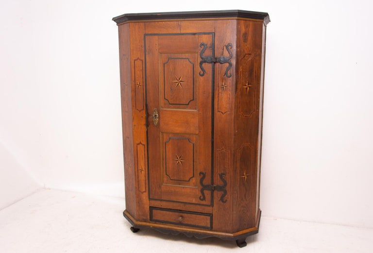 Original Baroque wardrobe from the mid-18th century. It was made in the former Austro-Hungarian Empire. All in original and very well preserved condition. The wardrobe features an original fittings, original Baroque lock . It is made of oak solid