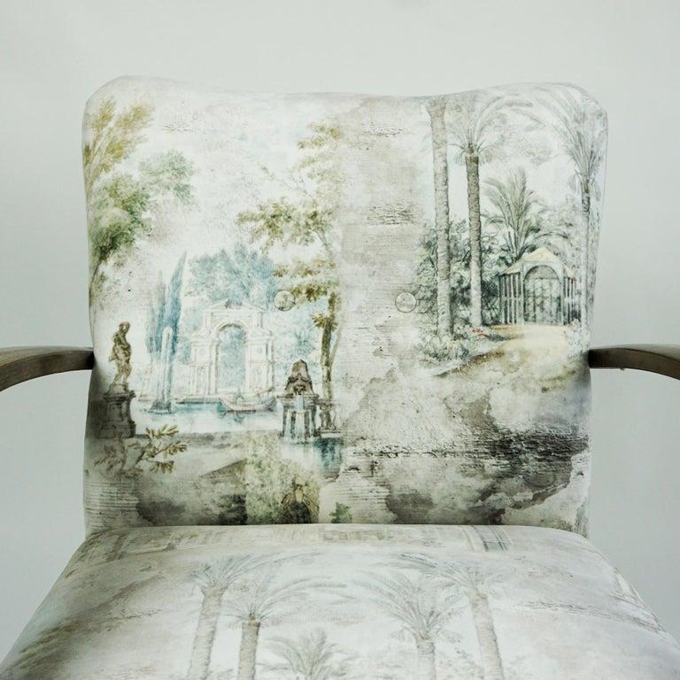 Austrian Art Deco Beechwood Armchair with Renewed White and Light Grey Velvet For Sale 5