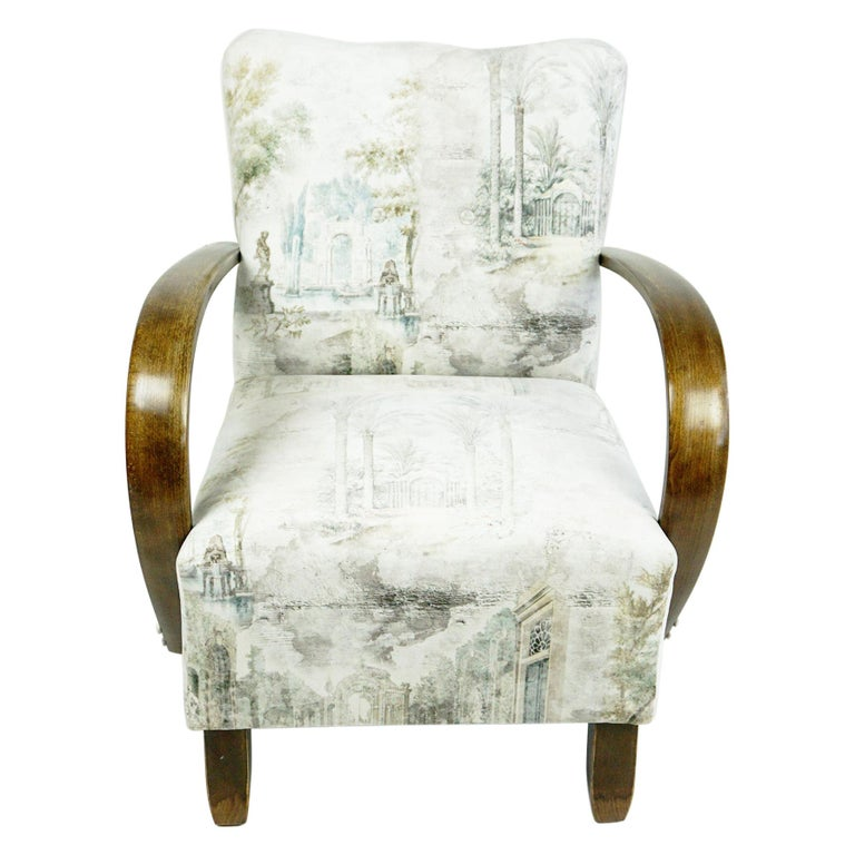 Austrian Art Deco Beechwood Armchair with Renewed White and Light Grey Velvet For Sale