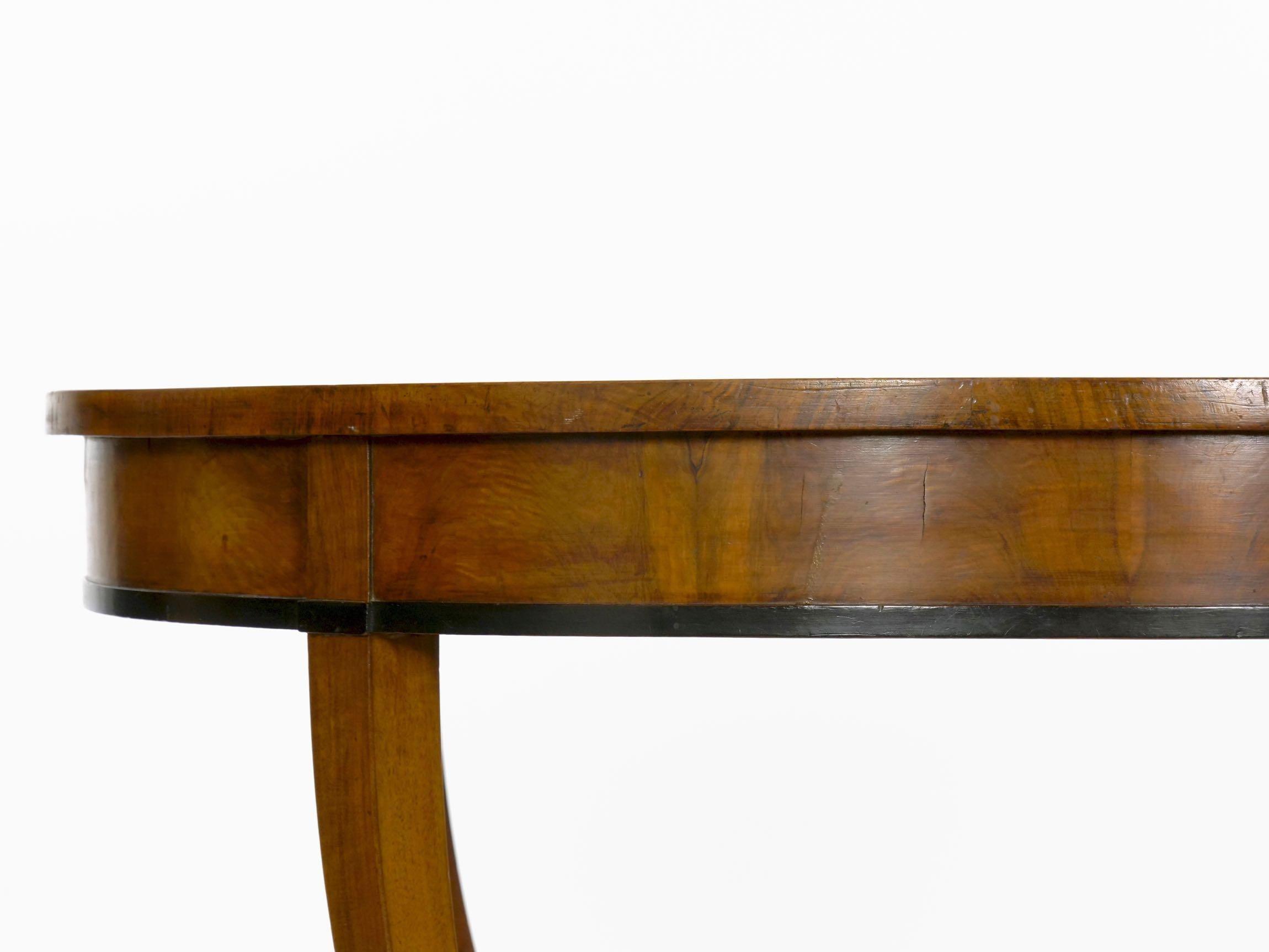 Austrian Biedermeier Fruitwood Round Center Hall Table, 19th Century