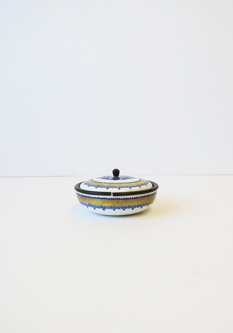 Austrian Blue White and Gold Porcelain Enamel Box In Good Condition For Sale In New York, NY