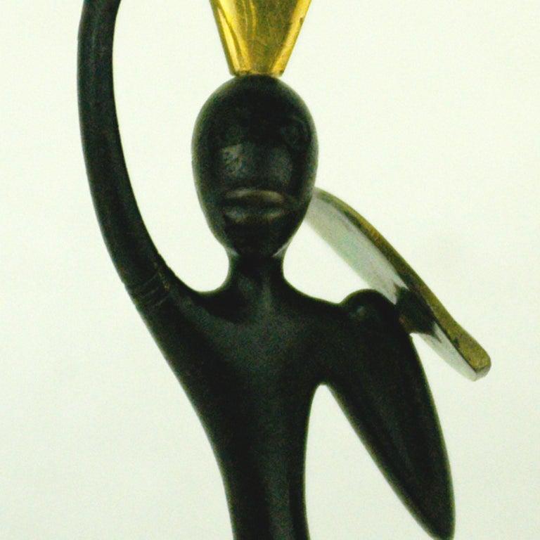 Austrian Midcentury African Warrior Bronze and Brass Sculpture by Hagenauer For Sale 1