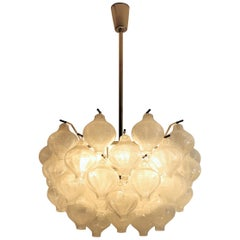 Midcentury Tulipan Chandelier in Glass and Brass by Austrian Kalmar, 1960s