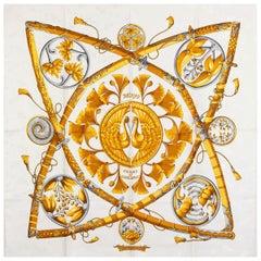 auth HERMES white DAIMYO PRINCESS DU Soleil Levant 90 silk twill Scarf