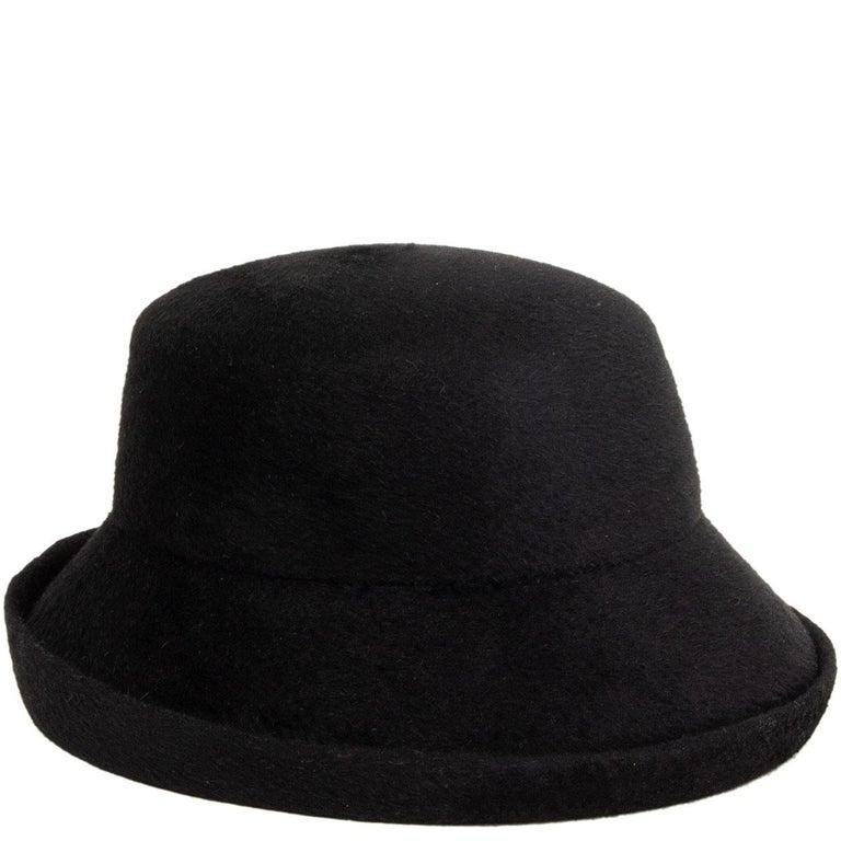 auth YOHJI YAMAMOTO black RABBIT FUR Hat 58 In Excellent Condition For Sale In Zürich, CH