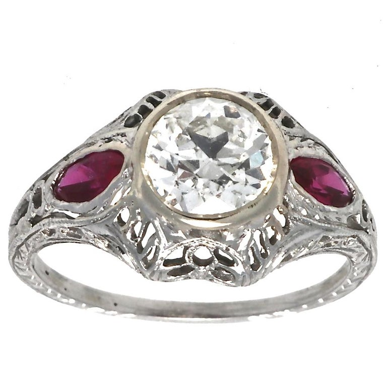 Authentic Art Deco GIA Certified 1 Carat Old European Cut Diamond Ruby Ring In Excellent Condition For Sale In Beverly Hills, CA