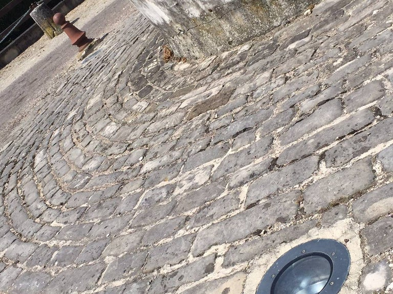 Authentic French Antique Cobblestone 17th Century, Paris, France In Good Condition For Sale In LOS ANGELES, CA
