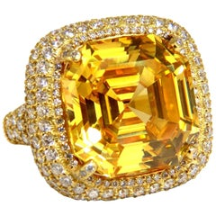 Authentic Judith Ripka Canary Yellow Quartz Diamonds Ring 18 Karat