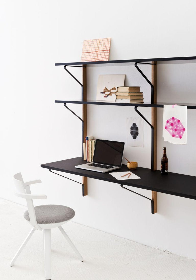 Authentic Kaari Shelf REB 013 in natural oak by Ronan & Erwan Bouroullec & Artek. REB 013 Kaari is the perfect solution for small spaces that need to fulfil various purposes. The system by Ronan and Erwan Bouroullec combines shelving with an