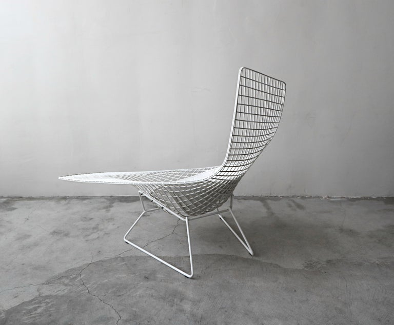 Authentic Knoll Bertoia Asymmetric Chaise In Good Condition For Sale Las Vegas NV