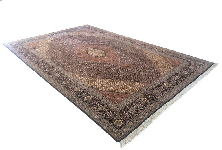 Authentic Persian Hand Knotted Medallion Fish Design 'Mahi' Tabriz Rug For Sale 12