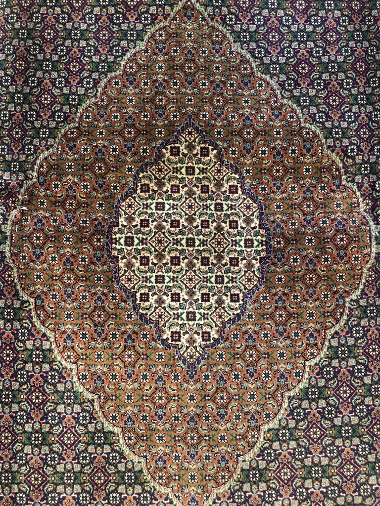 Authentic Persian Hand Knotted Medallion Fish Design 'Mahi' Tabriz Rug In Good Condition For Sale In San Diego, CA