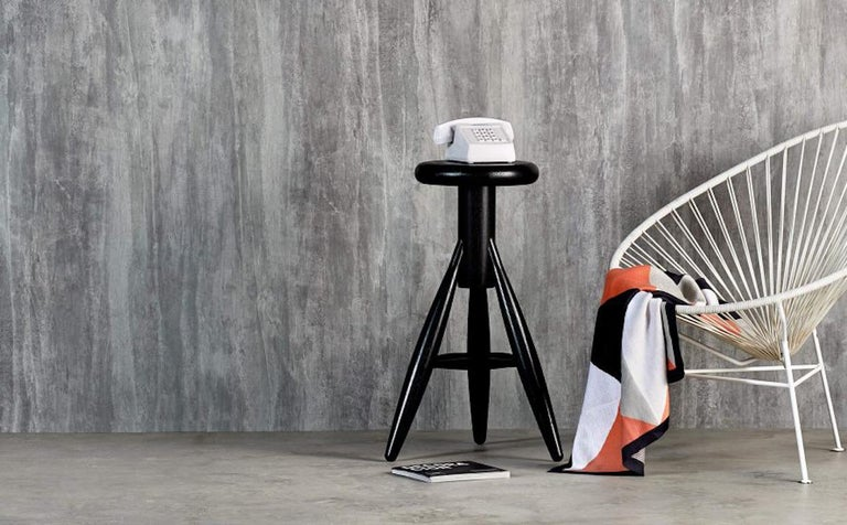 Contemporary Authentic Rocket Bar Stool in Oak with White Finish by Eero Aarino & Artek