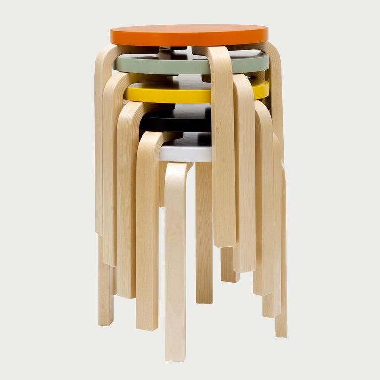 Authentic Stool E60 in Birch by Alvar Aalto & Artek For Sale 1